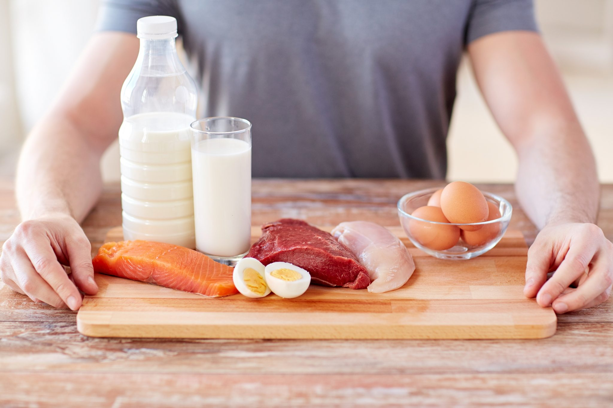 Tuna, egg yolks, beef, spinach, and fortified cereals are just a few testosterone-boosting foods ideal for combating low T.